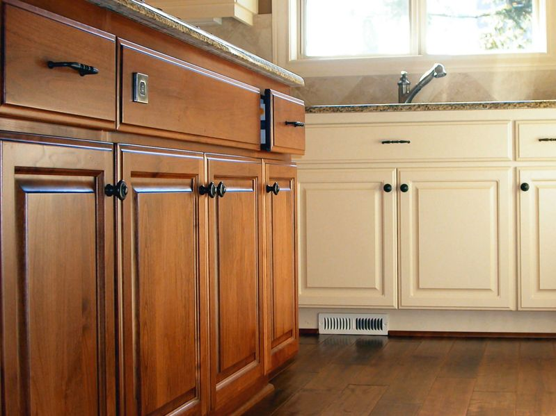 Kitchen Cabinets: Replace or Reface?